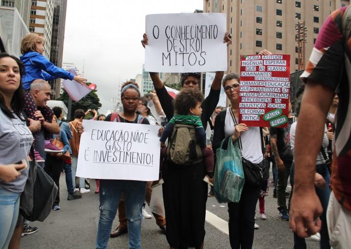 Conheça 10 brasileiros que foram às manifestações em defesa da educação