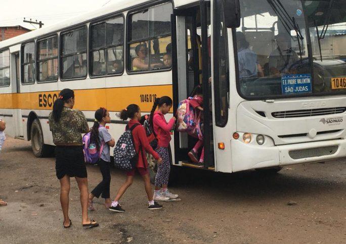 Como o corte no transporte escolar afeta estudantes da Grande SP