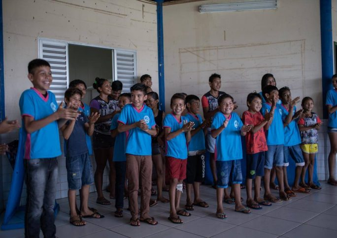 Projeto Amazônia das Palavras leva literatura para escolas e comunidades ribeirinhas