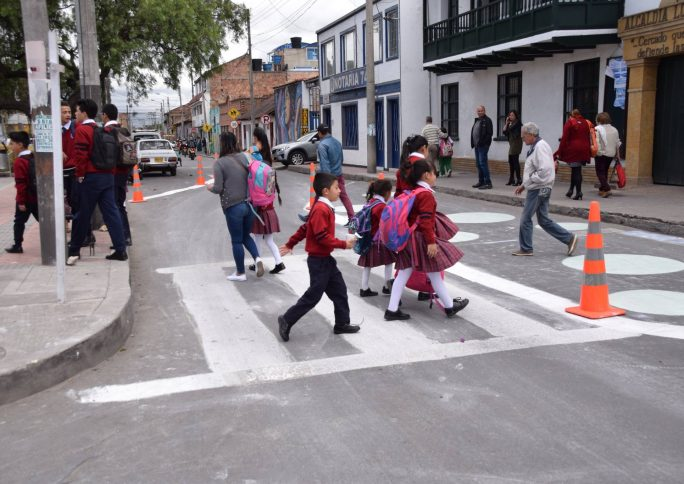 As ruas são o espaço para se desenvolver uma cidade educadora, afirma Skye Duncan