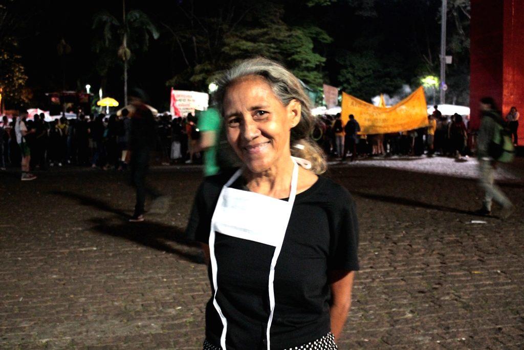 telma representando da amazônia na greve global pelo clima