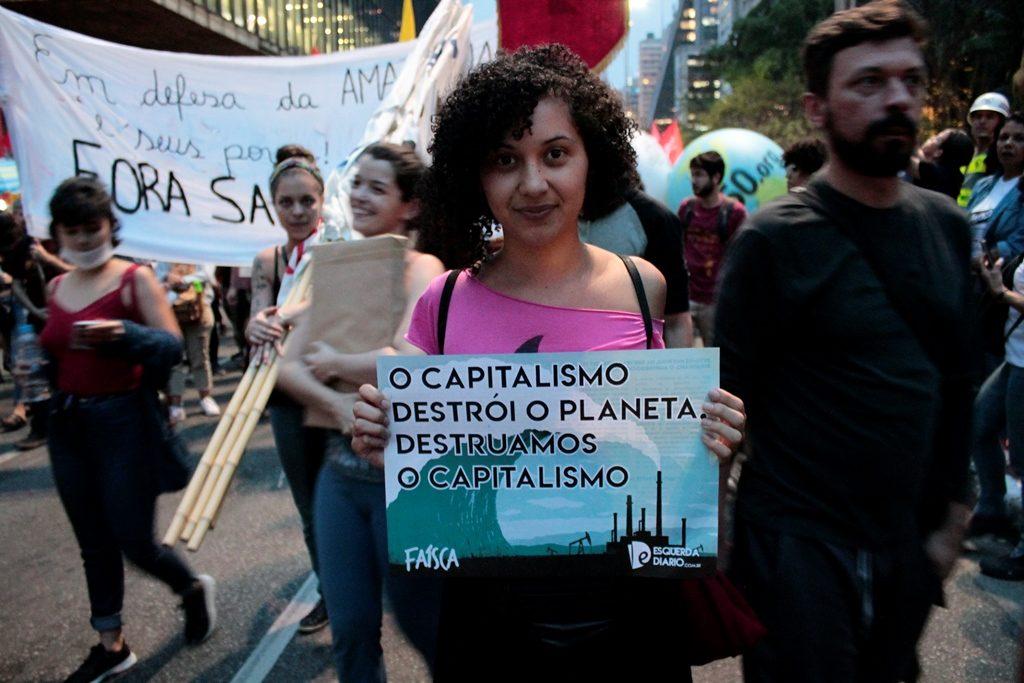 odete uma das jovens presentes na greve global pelo clima