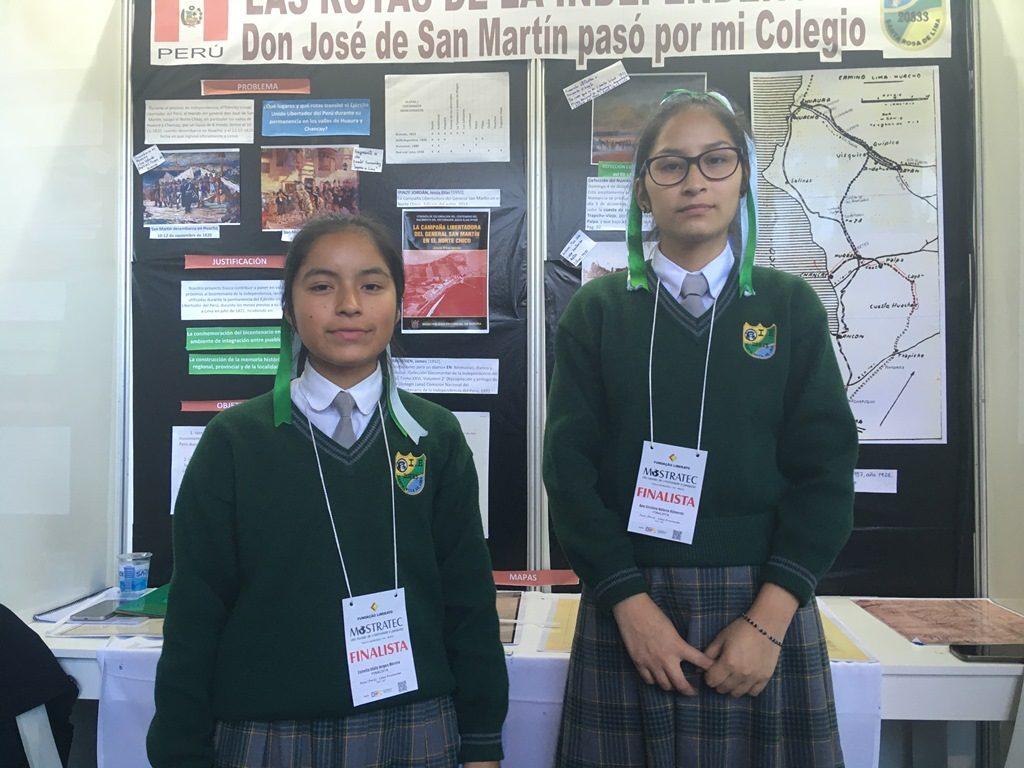 estudante investigam rotas da independência