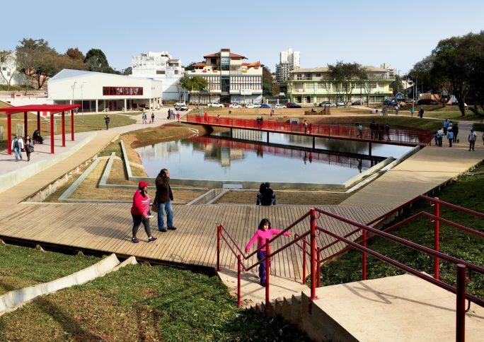 Planejamento urbano e espaços públicos: parques como ferramentas de transformação