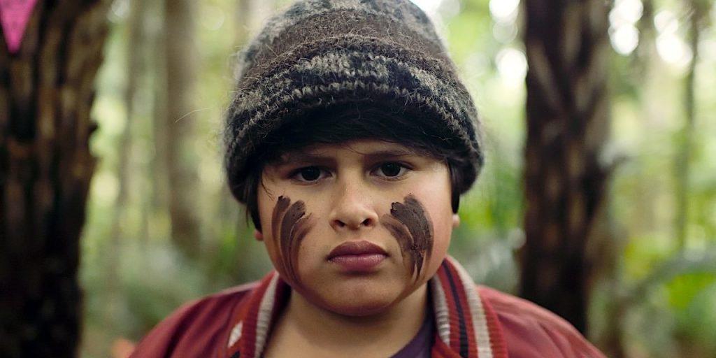 o filme fala sobre o garoto rick, que foge pela floresta
