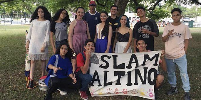 Escola em São Paulo leva slam e poesia para dentro da sala de aula