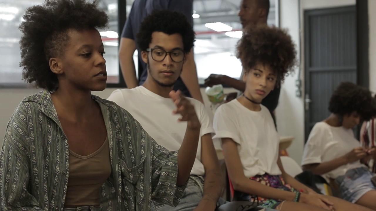 jovens protagonistas do filme favela é moda