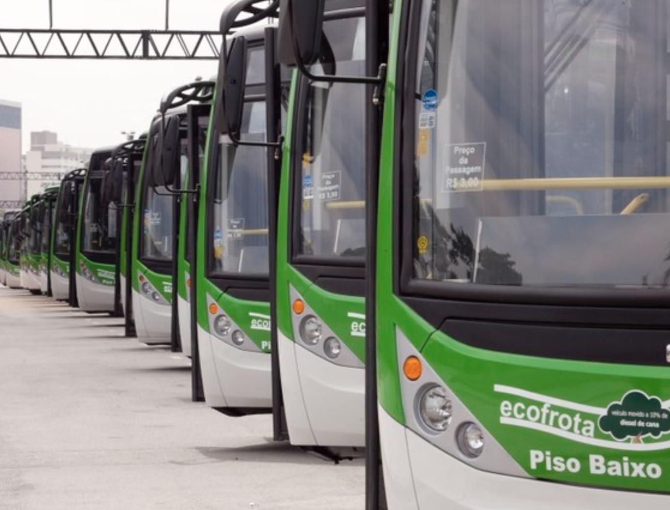 dianteira de ônibus que compõe a ecofrota de ônibus de são paulo