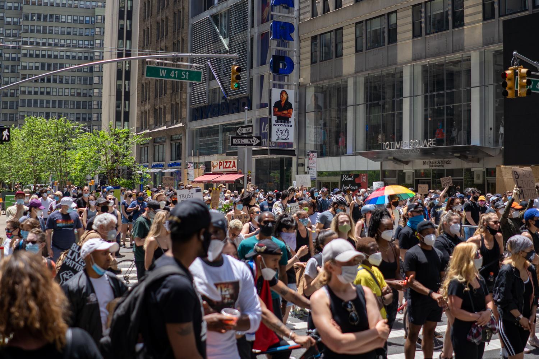 Times Square (Nova York, EUA) tomada por manifestações do Black Lives Matter / Crédito: Anna Kristiana Dave