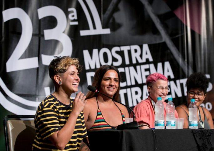 'As pessoas trans existem, criam e pensam': Entrevista com cineasta Rosa Caldeira