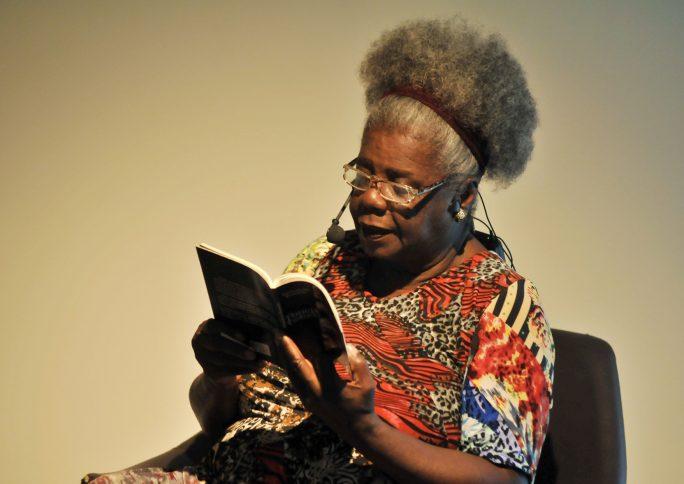 A importância de ler autoras e autores negros