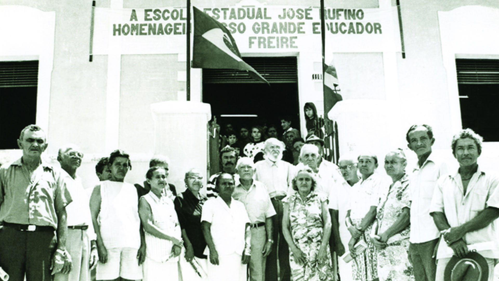 Alguns dos 380 trabalhadores alfabetizados pelo método de Paulo Freire em Angicos (RN) / Crédito: Acervo