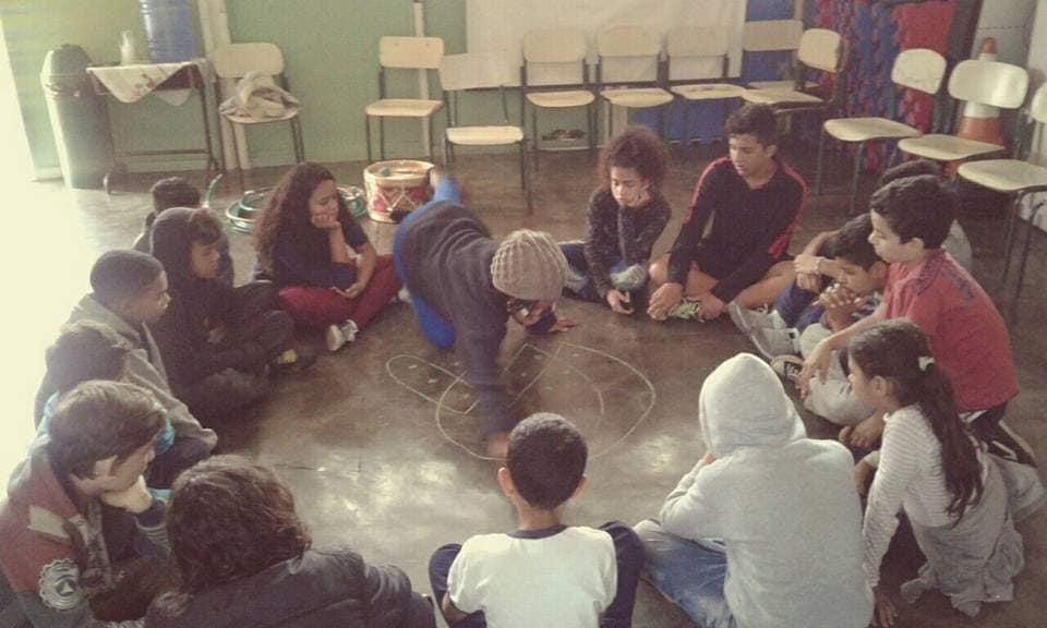 Prática da artista e educadora Aryani Marciano realizada no CCA Anhanguera / Crédito: Divulgação facebook da artista